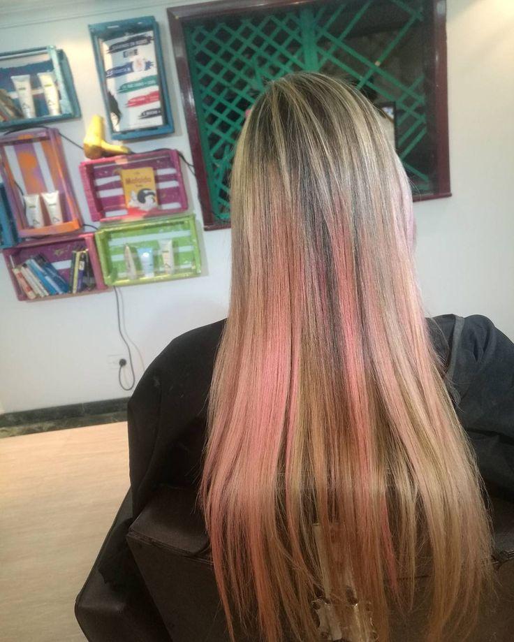 Rubio extraclaro y rosa pastel .. .. ... #pelukeroart #hairdresser #haircolor #haircuts #keroygengibre