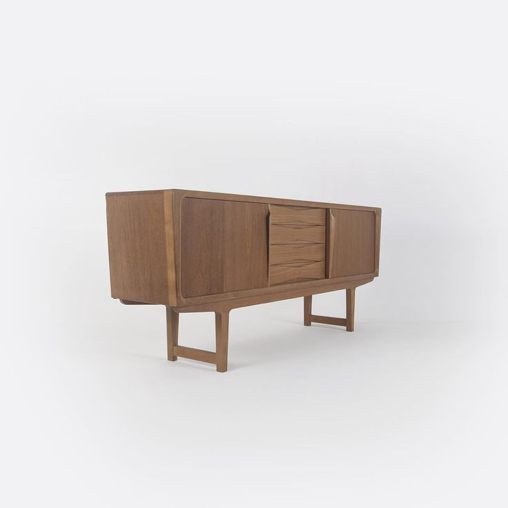 teak wood : sideboard, mid century. #withpatinainterior by Hendra Wijaya, Indonesia. Click picture for more angles..