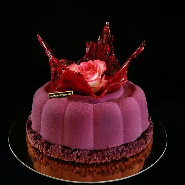 #pastrylove #patisserie #birthday #special #cake #chocolate #belcolade #rose #foodart #foodphotography #dessertmagazine #dessertmasters #amazing #chefslife #chefstalk #repost #pastryinspiration #inspiration #instamood #beauty #foodlove #armenia #erevan