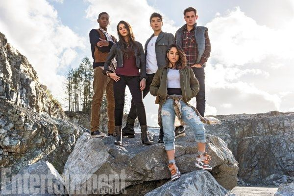 "Here's Your First Look At The New ""Power Rangers"" Cast"