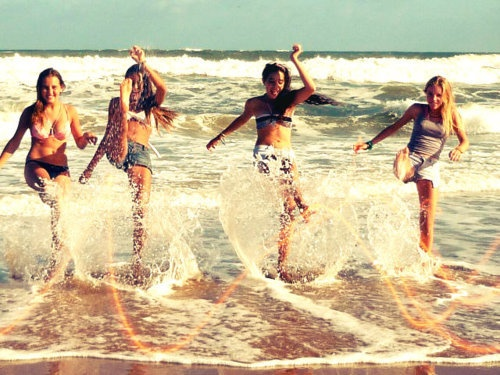 My friends and I need a picture like this <3