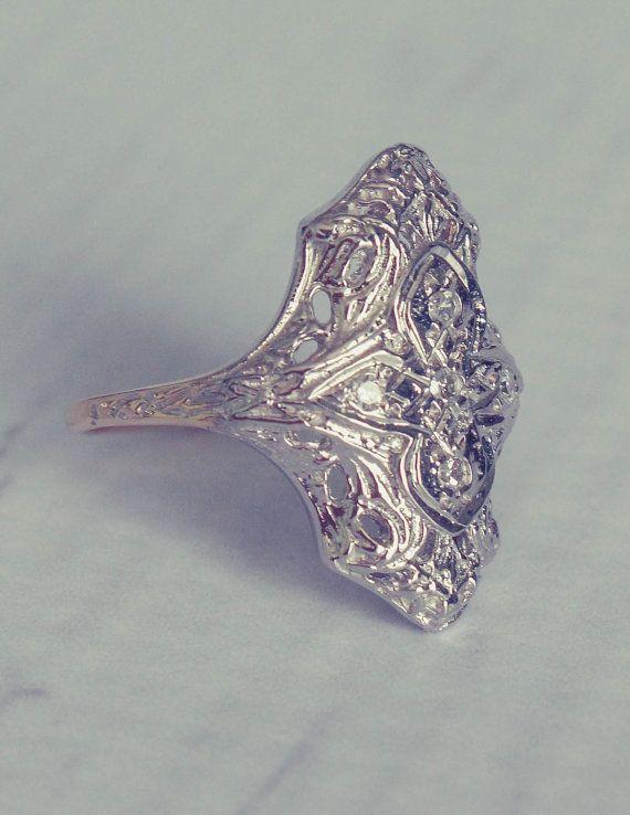 1940s Antique Filigree Diamond Engagement Ring