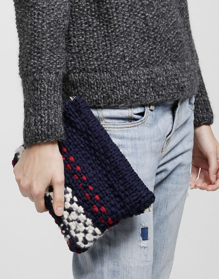 Knitted Clutch Pattern : Knitted clutch // DIY//Yarnheaven Pinterest