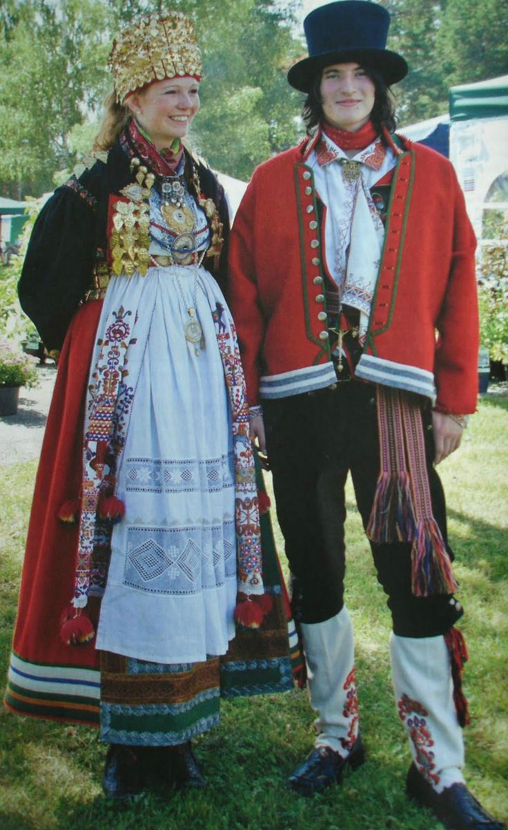 Traditional Norwegian folk costumes - Page 4 Traditional wedding costumes from eastern Telemark: