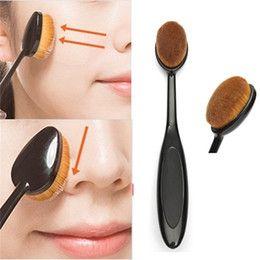 Professional Face Powder & Liquid Cosmetic Foundation Blusher Makeup Brush Foundation Black Curved Shape