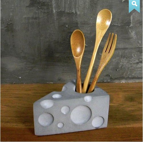 Lindo soporte para utensillos de cocina, en hormigon (o podria ser en porcelana fria, no?)