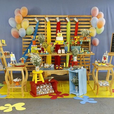 Adorei essa festa Ateliê de Pintura, muito linda! Adoro festas coloridas! @bebellacookieria ❤️ #kikidsparty