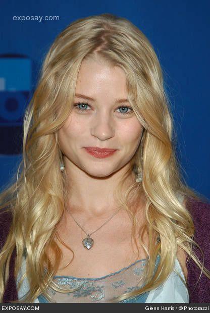 Emilie De Ravin - Claire -Lost #Australia #celebrities #EmiliedeRavin Australian celebrity Emilie de Ravin loves