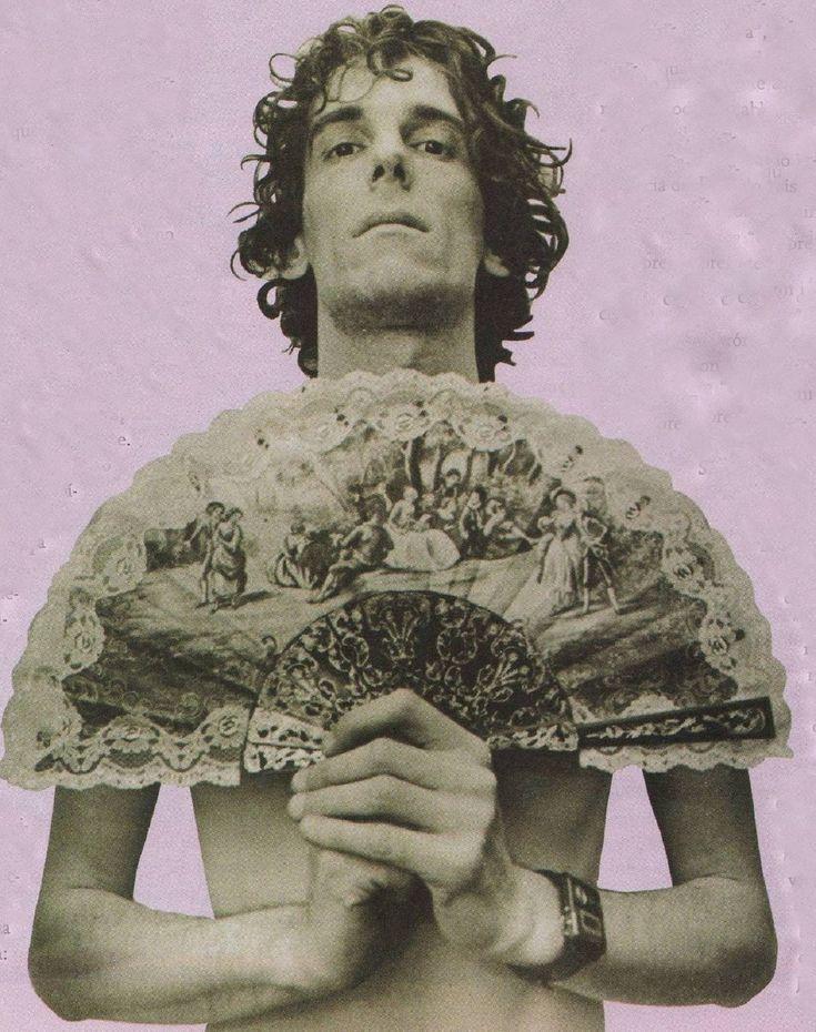 """De la serie de fotos que fuesen tapa de """"Spinetta Crónicas e Iluminaciones"""" por Eduardo Berti, en 1988."""