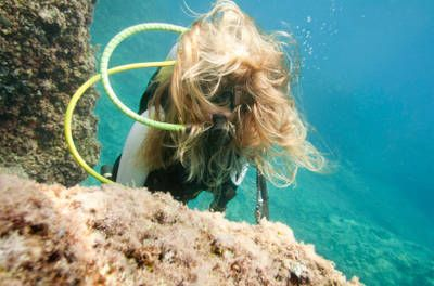 5 Ways to Keep Your Hair Out of Your Face When Scuba Diving