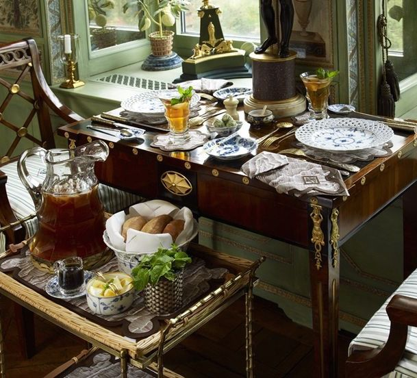 """Casual"" window-side dining in Howard Slatkin's fantasy of a Fifth Avenue home."
