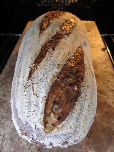Nadýchaný pětizrnný chléb z kvasu | Maškrtnica