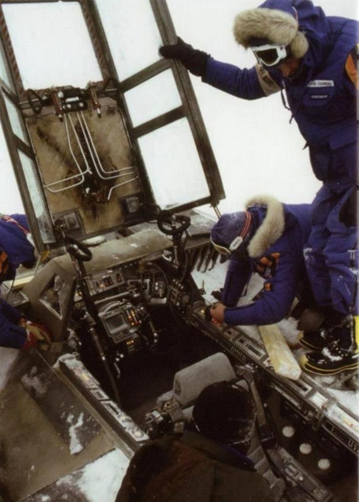 ESB bts-pic: Snowspeeder cockpit   Rare Star Wars Pictures ...