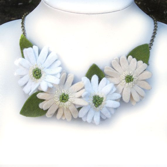 Ivory White Gerbera Necklace, African Daisies Felt Flower Statement Jewellery, Wedding Accessory