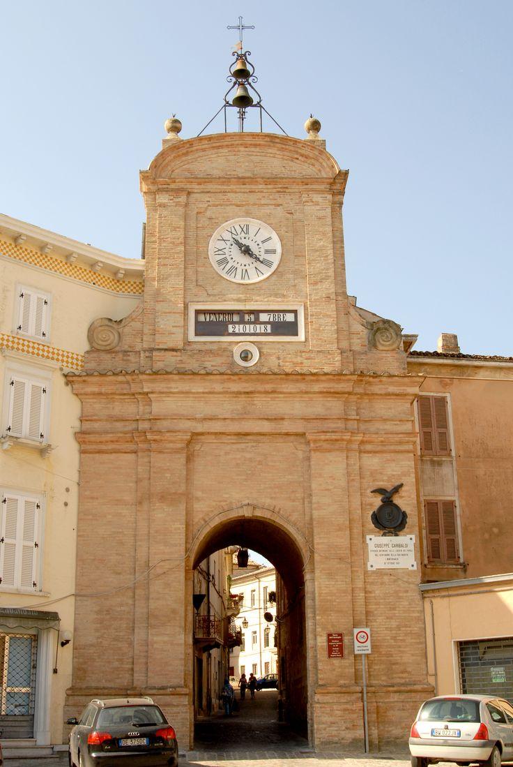 Torre dell'orologio anno 1700 #marcafermana #monteurano #fermo #marche