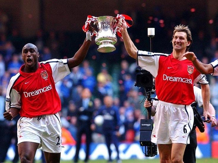Sol Campbell et Tony Adams (Arsenal) 2002