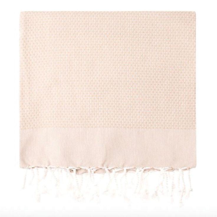 Simple Life için özel dokuma tezgahlarında dokunan 100% pamuk peştemallerim, hem banyo da hemde plajda hayatınıza renk katsın.   You can enjoy with our special peshtemal towels in bath and beach. 100% Turkish cotton.