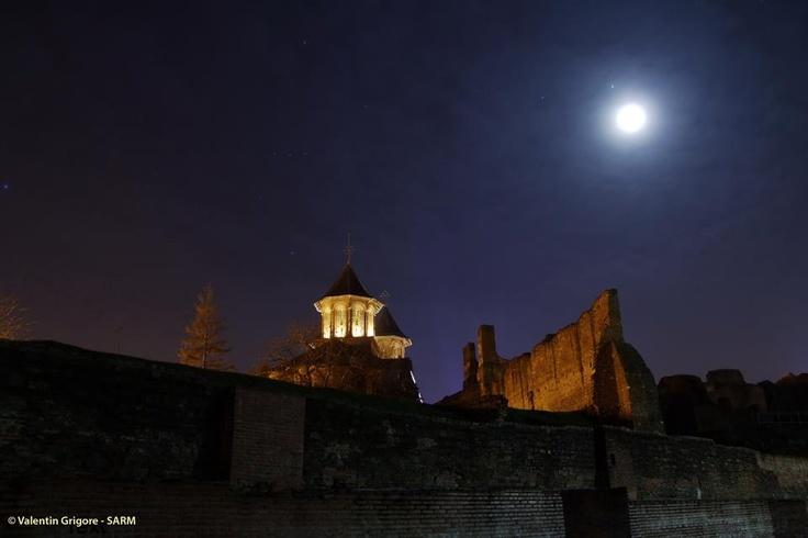 La Luna y Júpiter desde Targoviste, Rumanía.  22 de enero de 2013  Crédito: Valentin Grigore