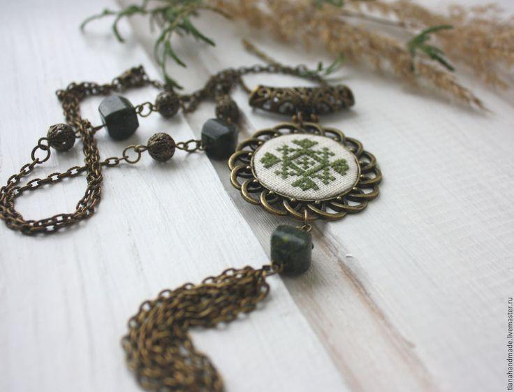 Купить Кулон вышитый зелёный в стиле бохо этно (змеевик) Лесная песня - этно