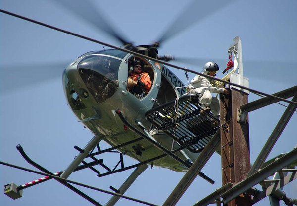 Helicopter Job: Helicopter Lineman