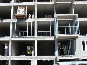 Строительство ограждающих конструкций детальным методом  Детальный метод применяется в случаях, когда целесообразно выполнять большинство работ на строительной площадке. Перед началом сборки проверяются все стеновые панели на наличие всех необходимых элементов крепления и уплотнительных материалов.  МЕТТЭМ-Строительные технологии Москва, ул. Энергетическая, д. 12, корп. 2 http://www.realtyestate.ru/mettem/ info@mettem-ct.ru +7 (495) 968-7358  #меттэмстроительныетехнологии, #поставка…