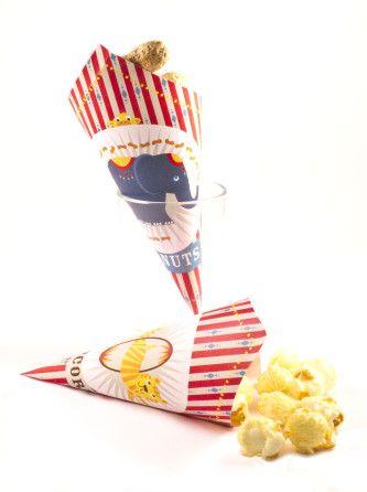 Kant&Klaar Knipboek Circus: printbaar knipvel Puntzakjes voor popcorn of doppinda's (traktatie van HomemadeHappiness.nl)