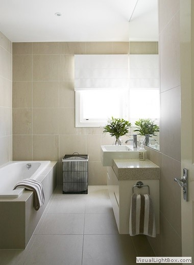 oatmeal large tiles to ceiling; clean lines I like the large tiles and the oversized mirror #bathroom #tiles