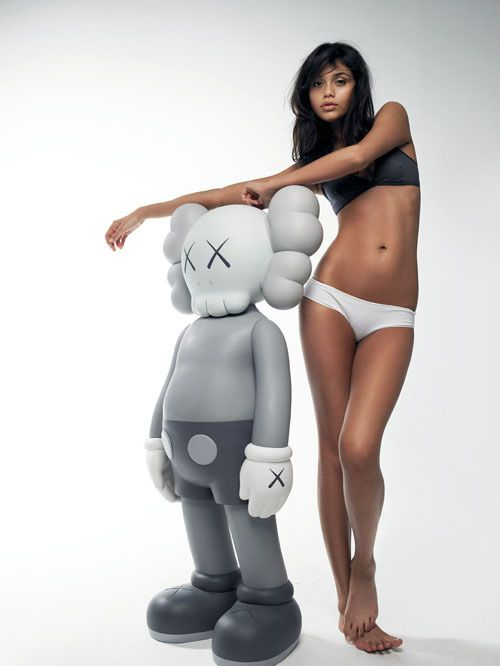 #Kaws : Sculpture