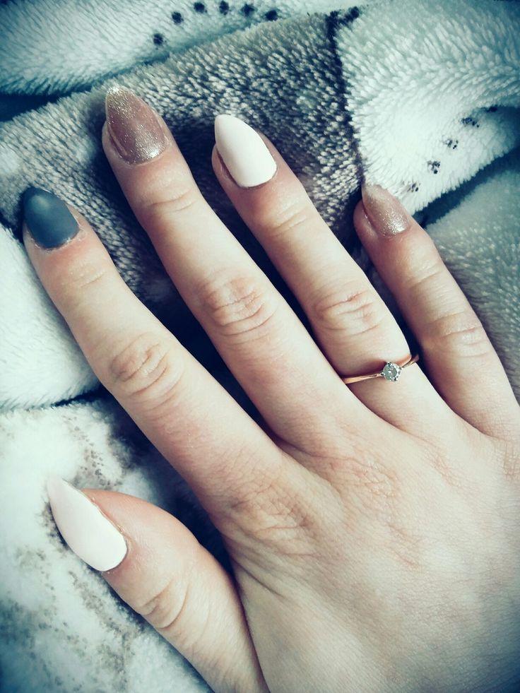 #Matt #glam #nails #almond #ring #engagement #Natural #nude