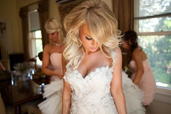 love the brightened tips and volumous wedding hair