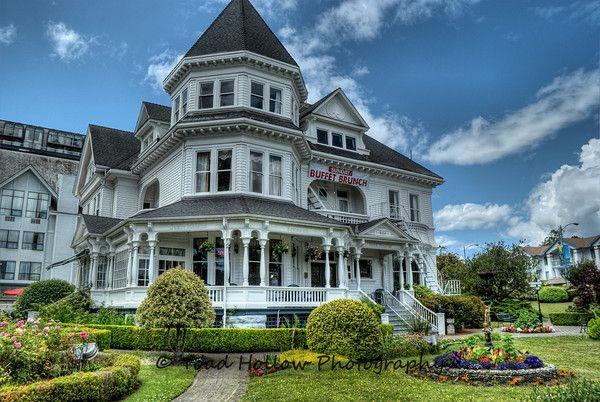 Gatsby Mansion B - Victoria, BC Canada