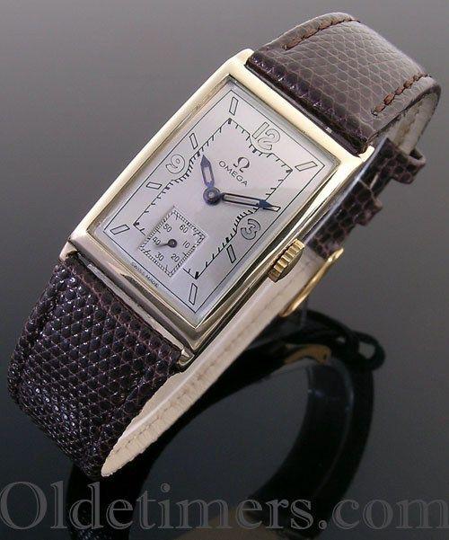 1930s 14ct gold rectangular vintage Omega watch (3946)