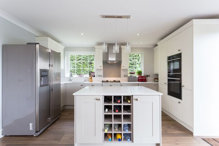 Broadoak Painted Shaker Kitchen in Parchment and Stone