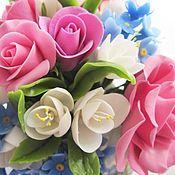 """Букет цветов """"Летнее настроение"""". Букетик состоит из розовых садовых роз, белоснежных веточек фрезий, трогательных незабудок. Может стать цветочным комплиментом или просто удивительно приятным подарком."""