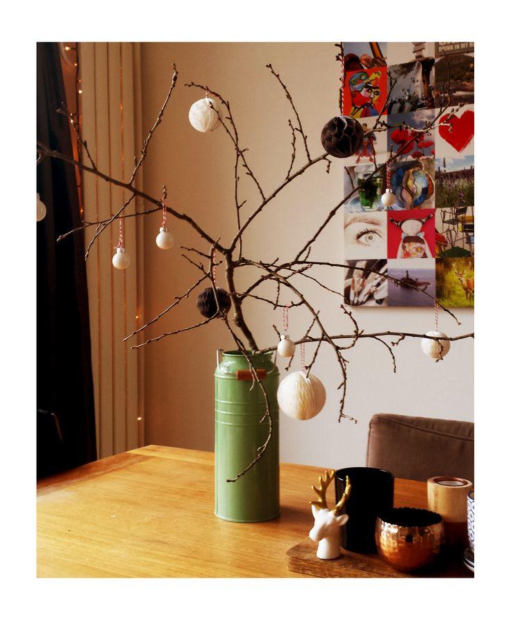 17 beste idee n over papieren ballen op pinterest papieren decoraties origami bal en - Sterke witte werpen en de bal ...