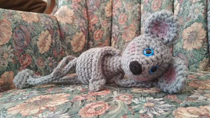 FLOPPY MOUSE CROCHET PATTERN  The floppy mouse is a member of my floppy limbed line of amigurumi patterns.  This pattern contains small parts. If you are making this for a younger child please embroider or needle felt the eyes, and sew pieces on extra firm. The link for how to make the I-cord …