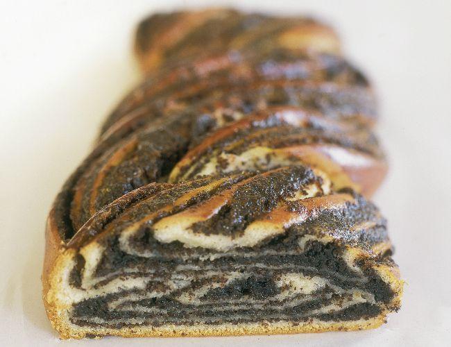 מתכון לעוגת שמרים פרג של הנס ברטלה