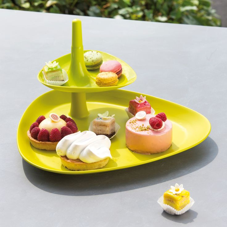 Koziol BETTY Tray The amazing BETTY Tray is perfect for serving snacks, finger food and tapas!