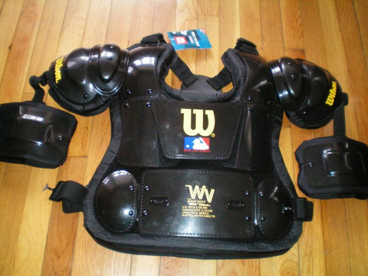 Mouse over image to zoom Have one to sell? Sell it yourself Wilson WTA3209 WV135 West Vest 13.5 Inch Umpires Pro Chest Protector Black