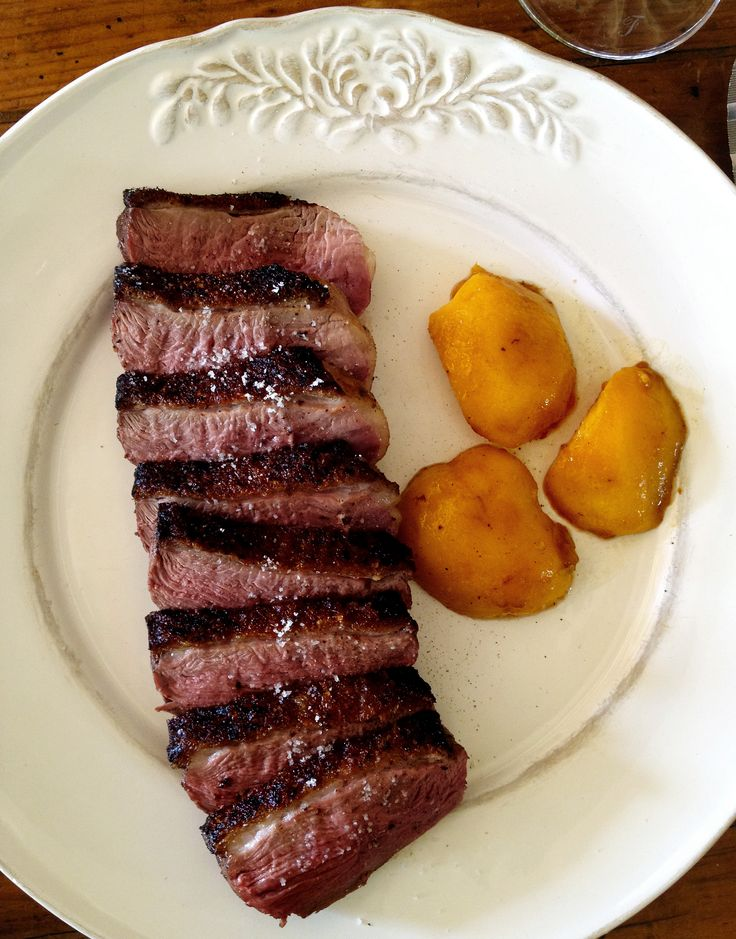 MAGRETS DE CANARD WITH PEACHES AND POTATO CAKE (Duck Breasts with peaches and potato cake)