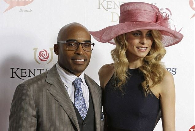 Celebrity News: Former NY Giants star Tiki Barber grins with intern, 23, who he left his pregnant wife for | AT2W