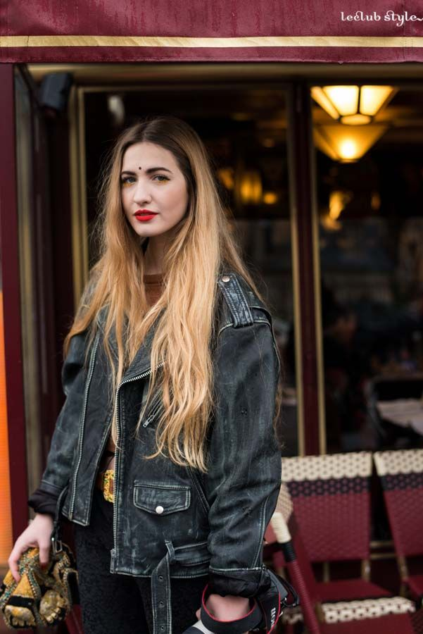 Street Style portraits by Ángel Robles. Fashion Photography from Paris Fashion Week.  Woman, on the street, Paris.