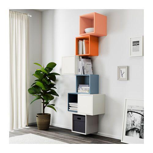 EKET Combinazione di mobili da parete IKEA Una soluzione asimmetrica che puoi personalizzare riempiendola con i tuoi oggetti.