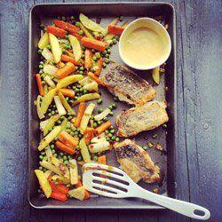 Pieczone warzywa z sosem miodowo-musztardowym | Kwestia Smaku