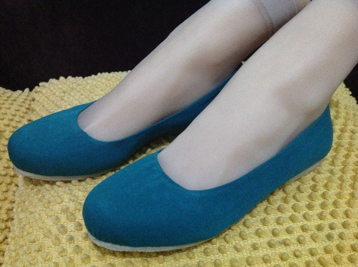 Limited handmade flat shoe for 185K.. Canvass and motif fabric combination w/ comfortable rubber sole..
