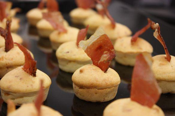 Muffin salati parmigiano e speck