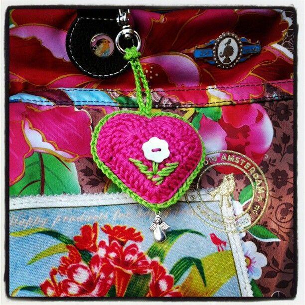 Crochet heart keychainTo The, Heart Keychains, Amigurumi Keychains, Crochetheart, Crochet Hearts, Crochet Haken, Crochet Keychains, The Hook, Karin Aan