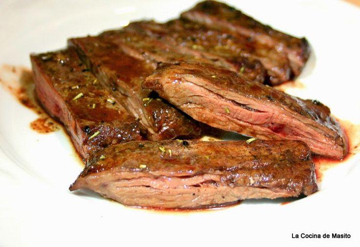 Hola amigos, la receta de hoy posiblemente sea una de las mas faciles que tenga en el blog, la carne a la barbacoa si se sabe hacer bien es una delicia y yo he de reconocer , aunque quede mal, que las barbacoas, las bordo, me salen genial. Esta carne de ternera es francamente una…