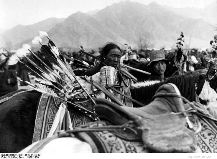 File:Bundesarchiv Bild 135-S-14-15-13, Tibetexpedition, Pferd mit Pfeilköcher.jpg Title Tibetexpedition, Pferd mit Pfeilköcher Original caption Lhasa, Neujahr, Pferd mit Pfeilköcher Archive description Bogenschießen; Neujahrsfest