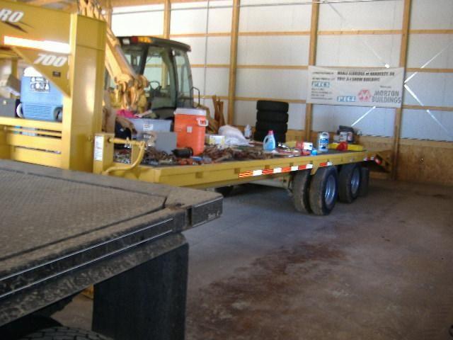 $10,000.00 - Hillsboro 700 series gooseneck flatbed trailer